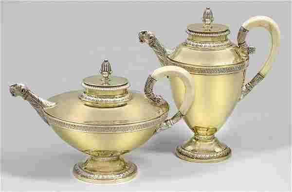 Kaffee- und Teekanne im Empirestil