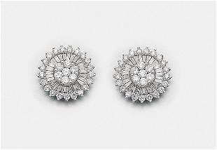 Paar elegante DiamantOhrringe