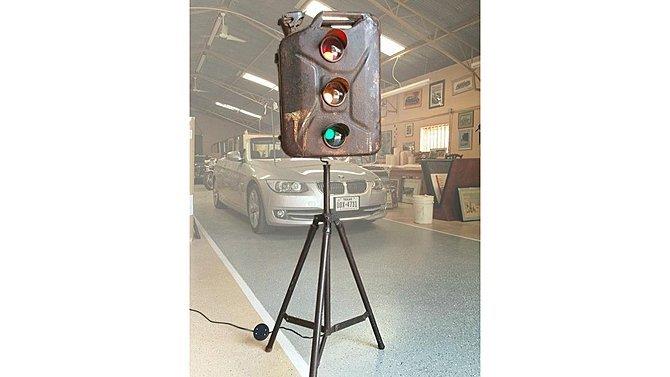 J24 -  Geri Can Street Light