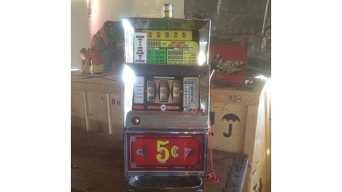 H9 -  Vintage Restored 5 Cent Slot Machine