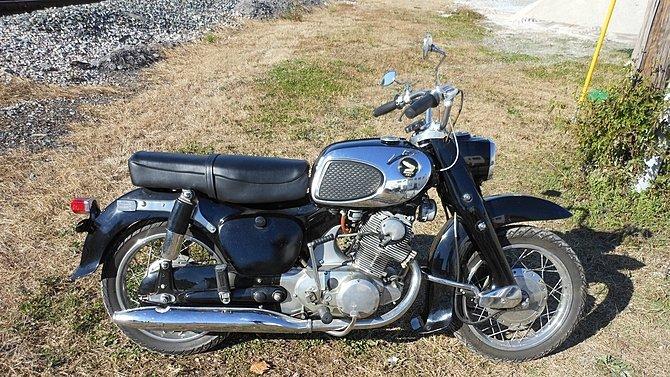 F16 - 1964 Honda CA78