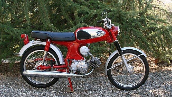 F22 - 1965 Honda S90