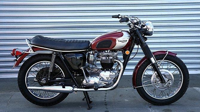 F25 - 1970 Triumph Bonneville T120R