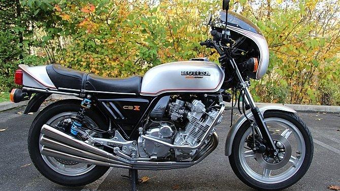 F30 - 1978 Honda CBX