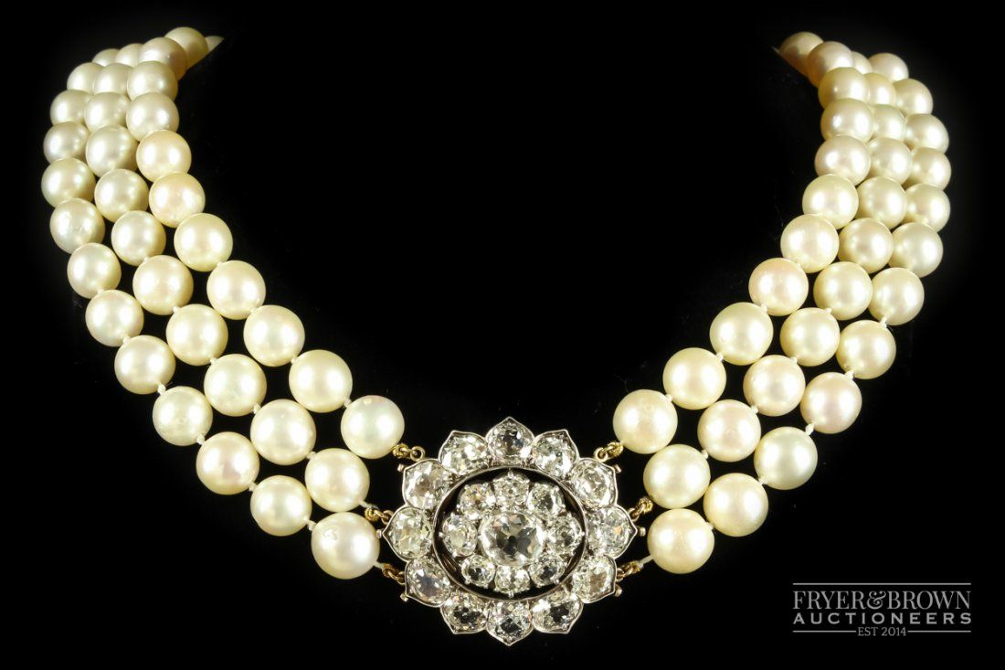 An important and fine antique diamond brooch/necklace,