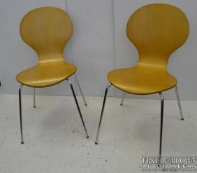 Two Arne Jacobsen Modern Style Plywood 'series 7' Type