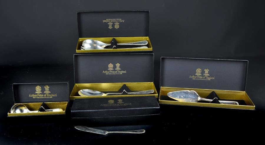 Arthur Price bead pattern silver plated table cutlery,