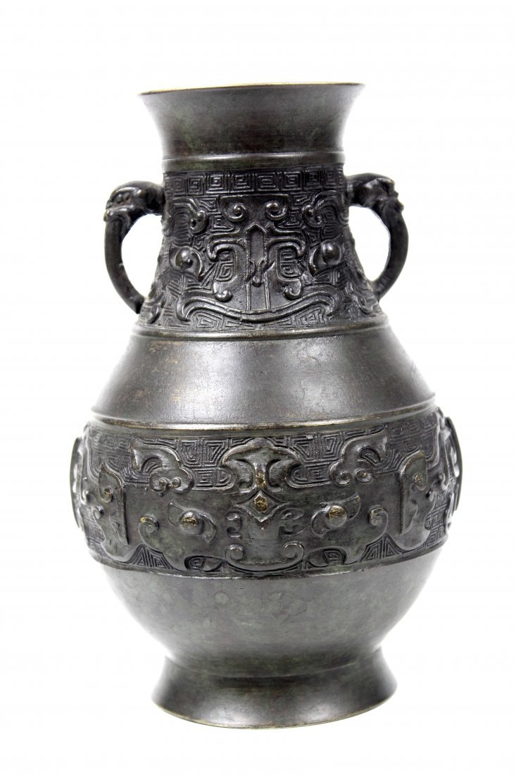 A Chinese archaistic style bronze vase of baluster form - 2