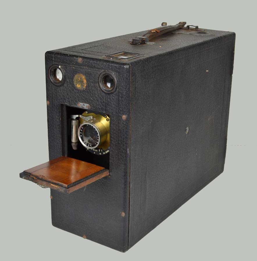 A vintage falling plate camera with Beck symmetrical