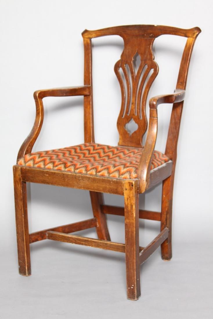 An English Country Oak Armchair, 18th century - 2