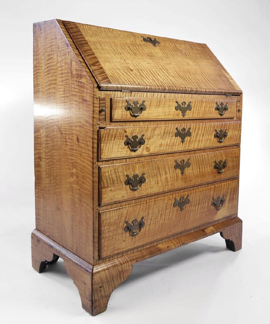 18th Century American Tiger Maple Slant Lid Desk - 2