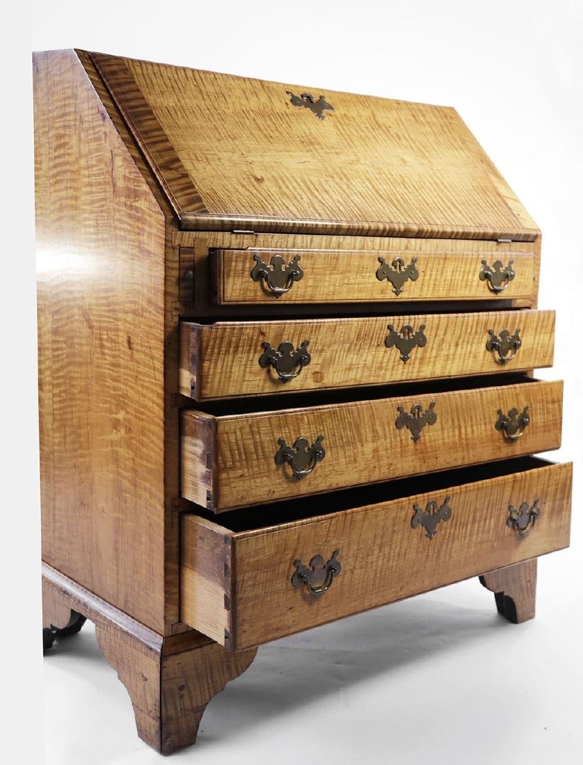 18th Century American Tiger Maple Slant Lid Desk - 8