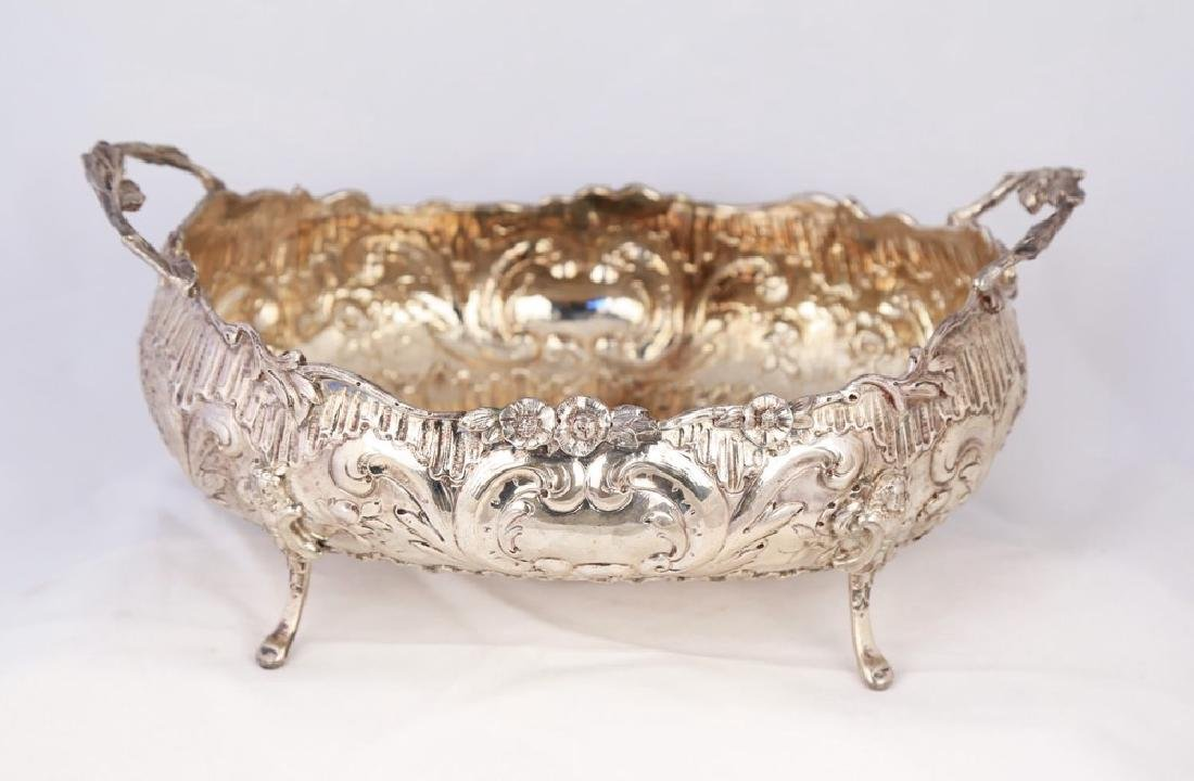 A Continental 800 Silver Centerbowl, c.1900