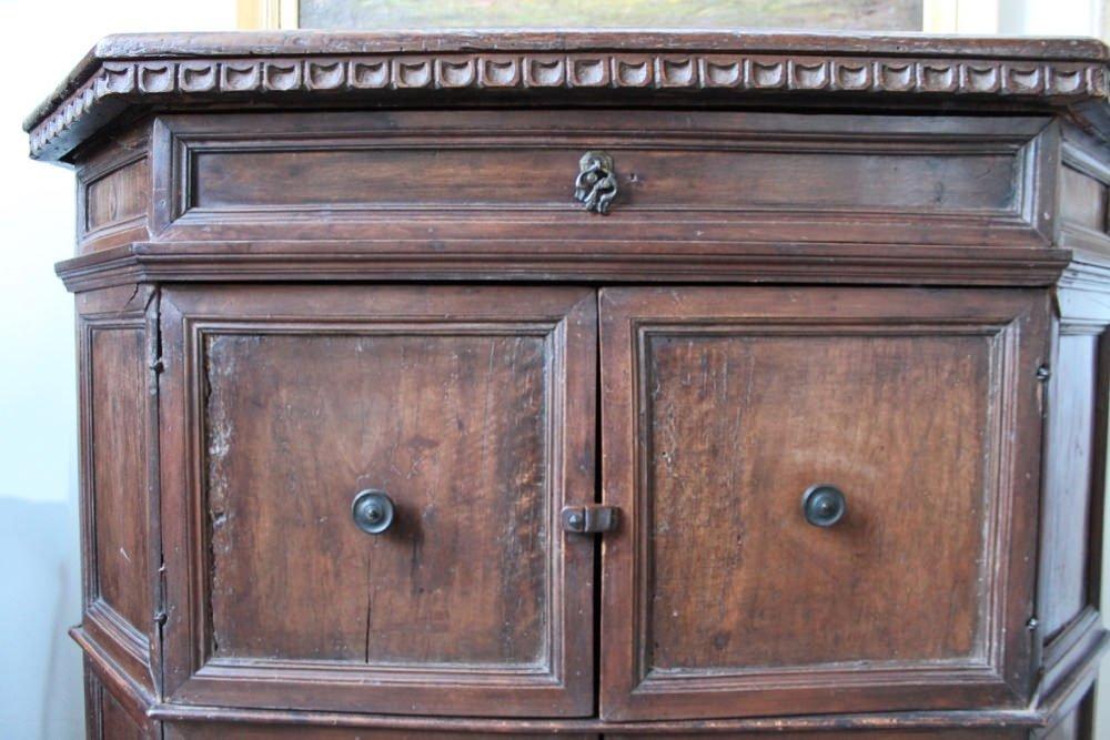 An Italian Baroque Walnut Credenza - 6