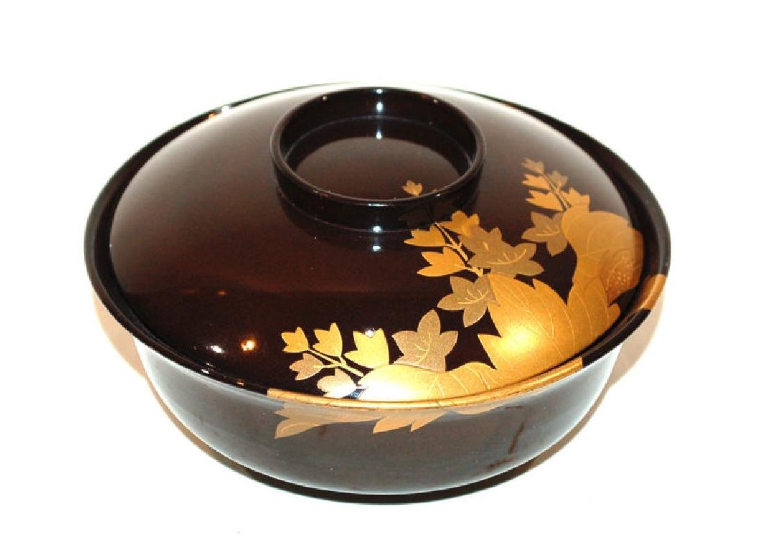 A Group of Five Japanese Lacquerware Covered Bowls - 2