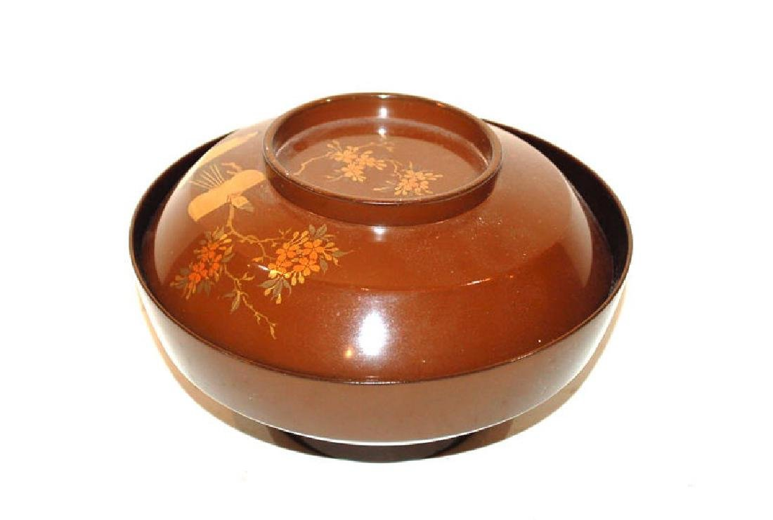 A Group of Five Japanese Lacquerware Covered Bowls - 6