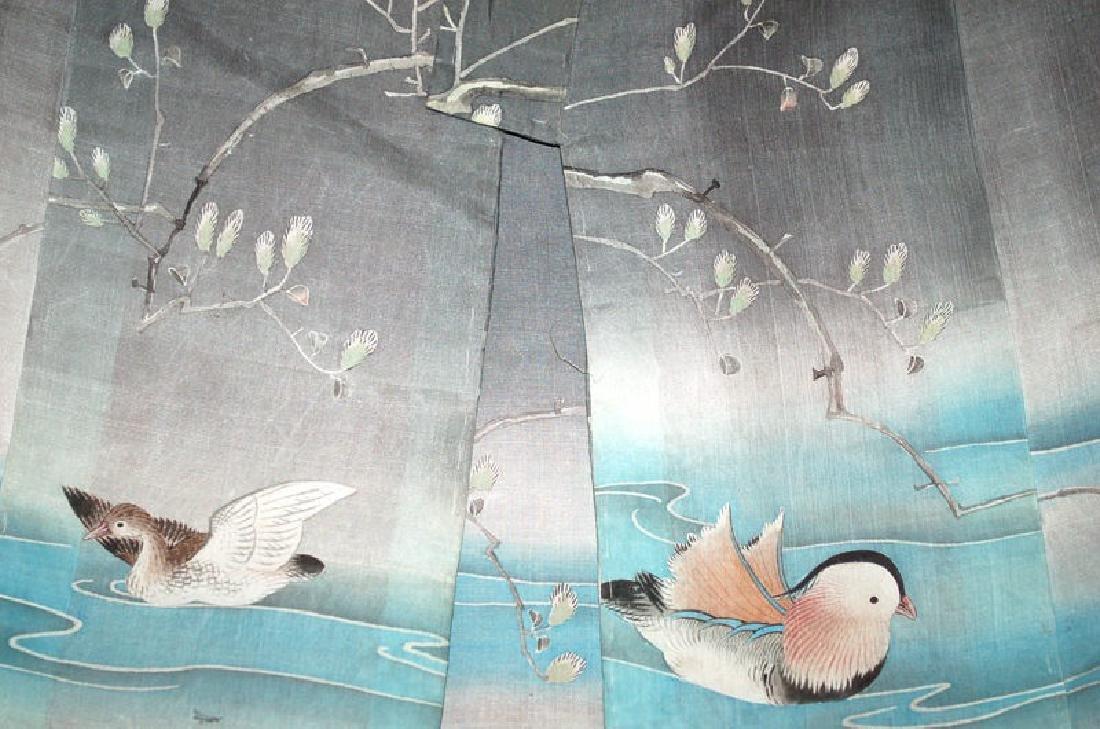 A Japanese Silk Child's Kimono - 2
