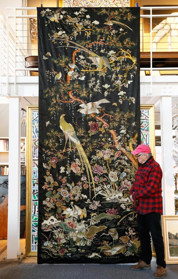 Rare Monumental 19th Century Chinese Embroidery - 2