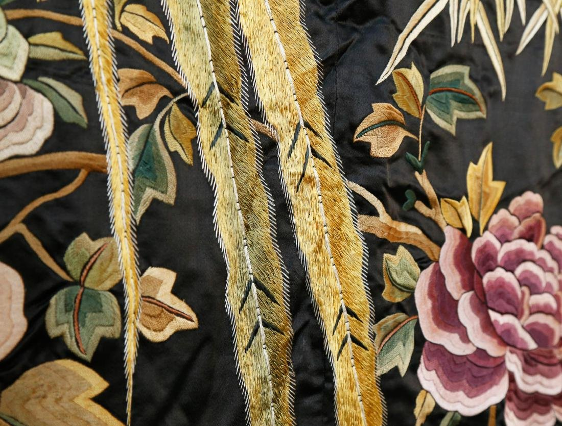 Rare Monumental 19th Century Chinese Embroidery - 4