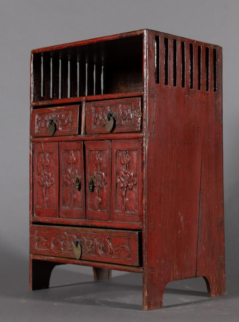 19th Century Diminutive Chinese Lacquer Etagere - 2