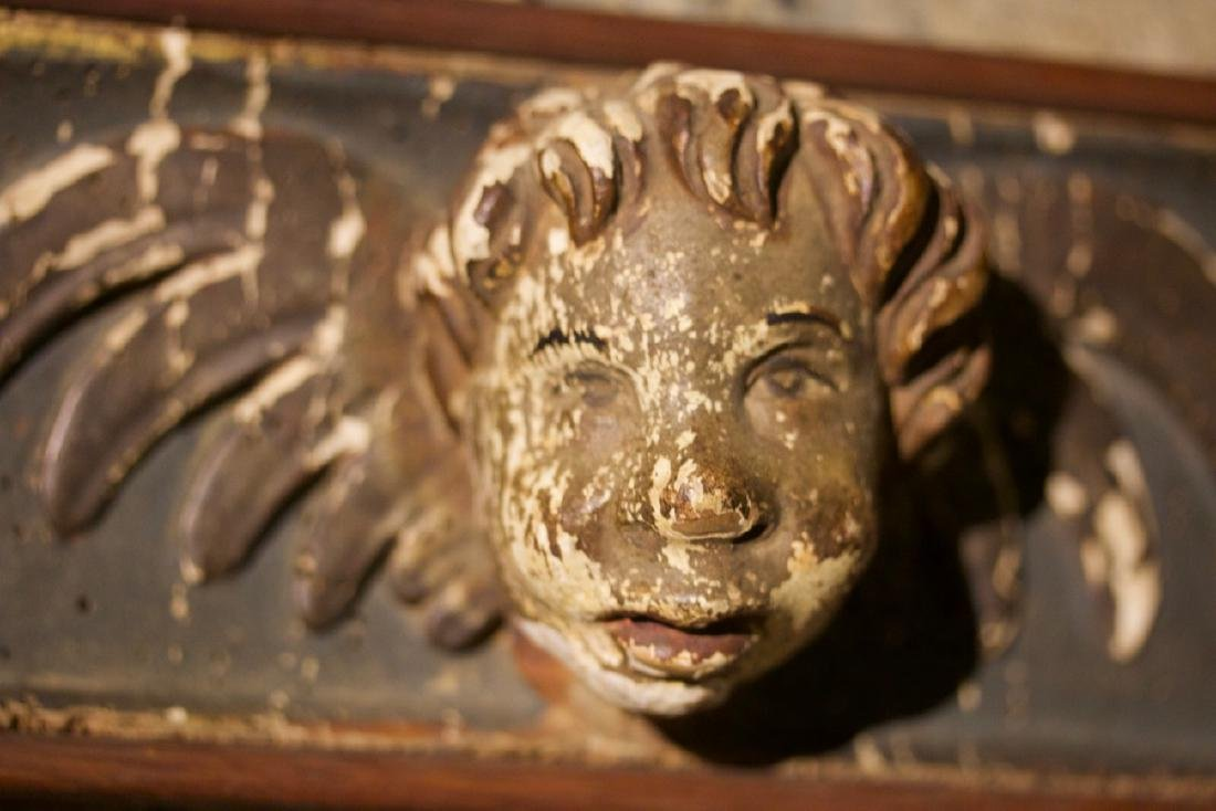 Pair of Carved Putti Bust in the Manor of Raphelle - 3