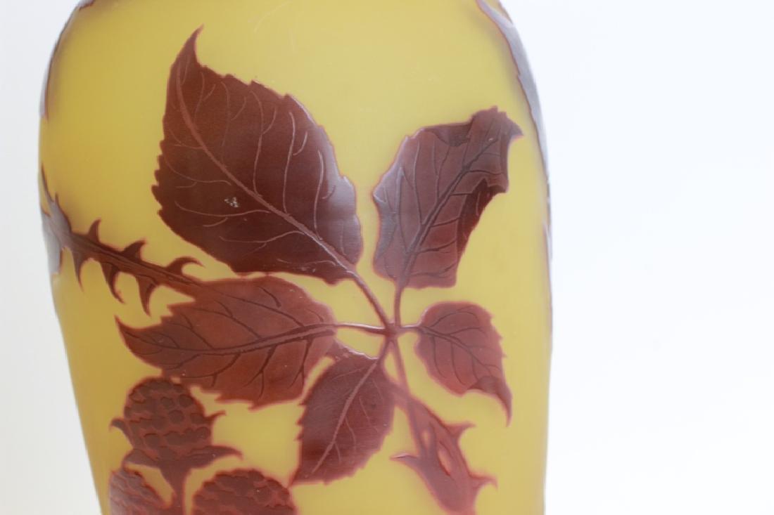 D'Argental Berry Vase, Signed - 3