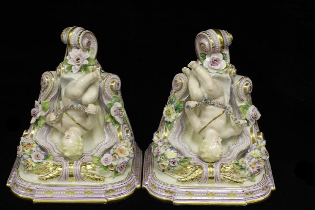 Pair of Early 20thc Figural Porcelain Shelves - 8