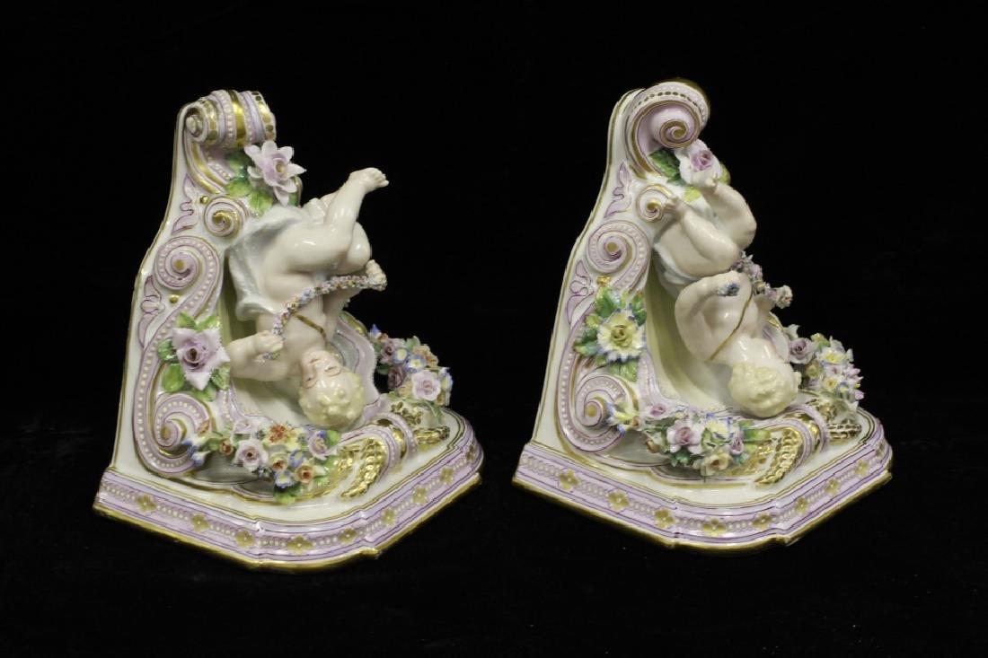 Pair of Early 20thc Figural Porcelain Shelves - 9