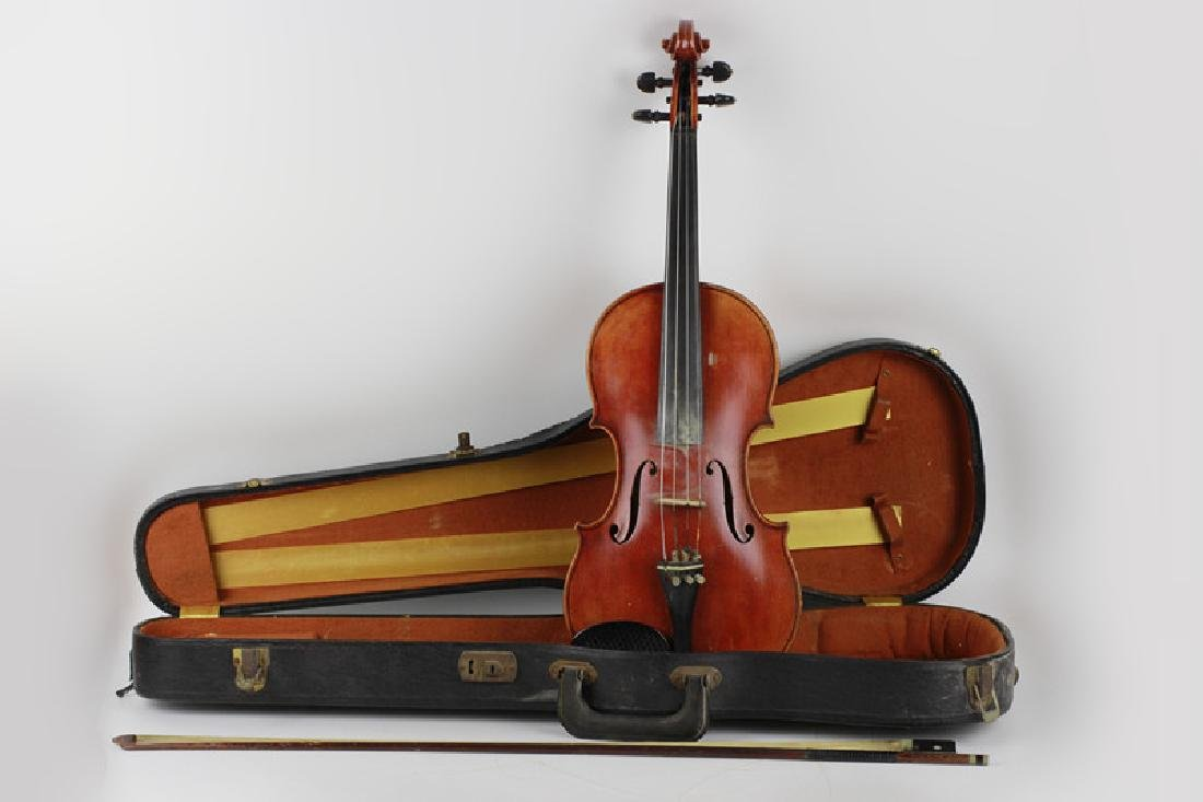 Early Violin & Bow in Carrying Case