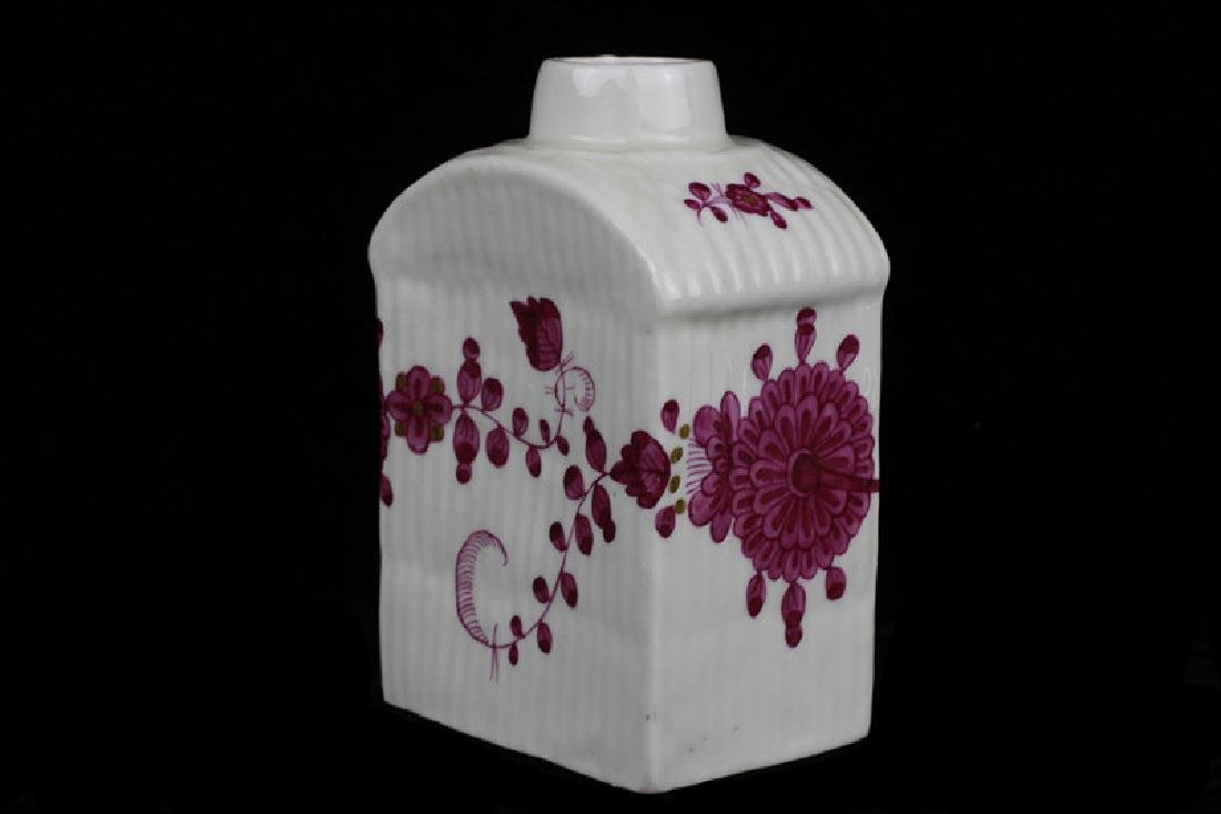 18thc German Porcelain Tea Caddy - 10