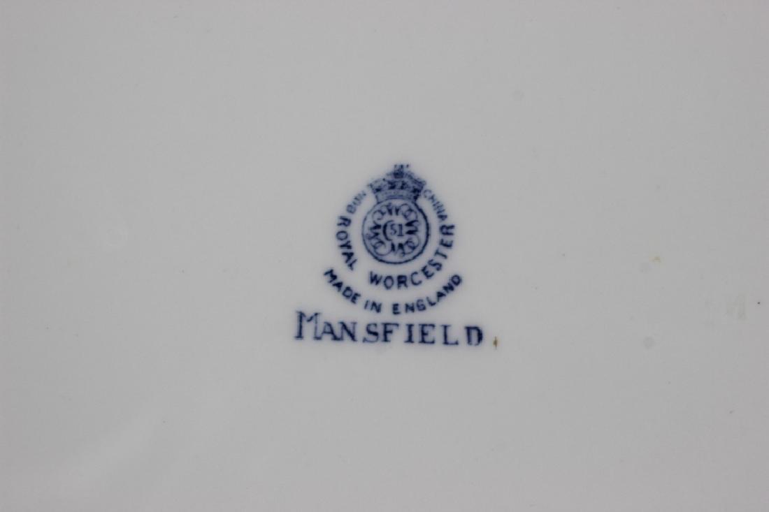 Set of 8 Royal Worcester Plates - 7