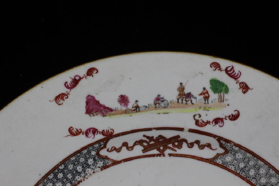 Chinese Pair of 19thc Export Porcelain Plates - 4