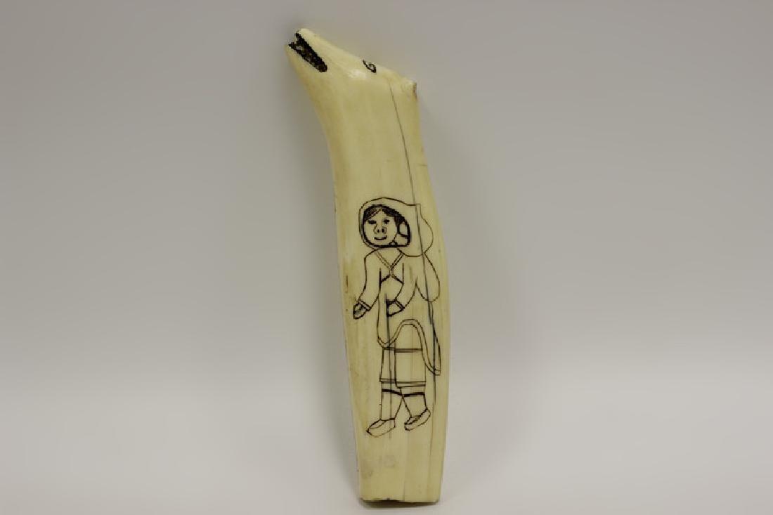 Scrimshaw Carving of Eskimos - 5