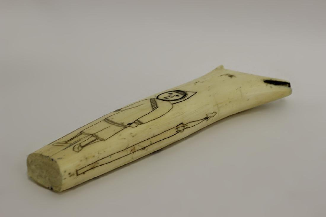 Scrimshaw Carving of Eskimos - 7