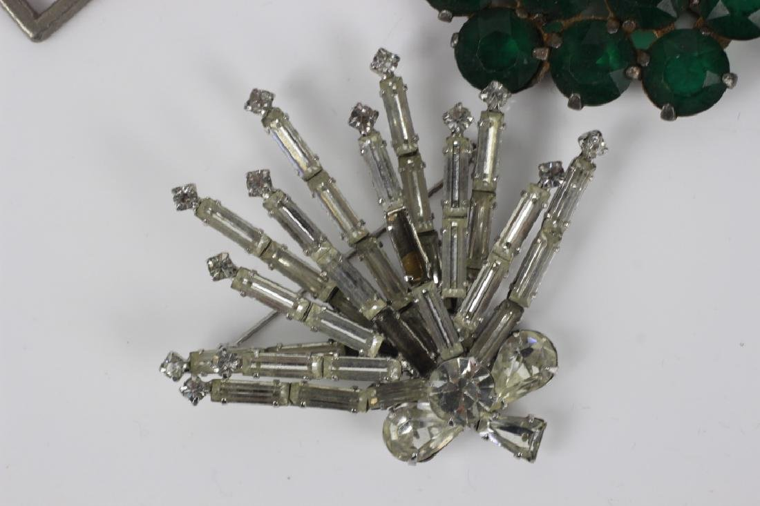 Group Lot of Vintage Pins/Brooches - 10