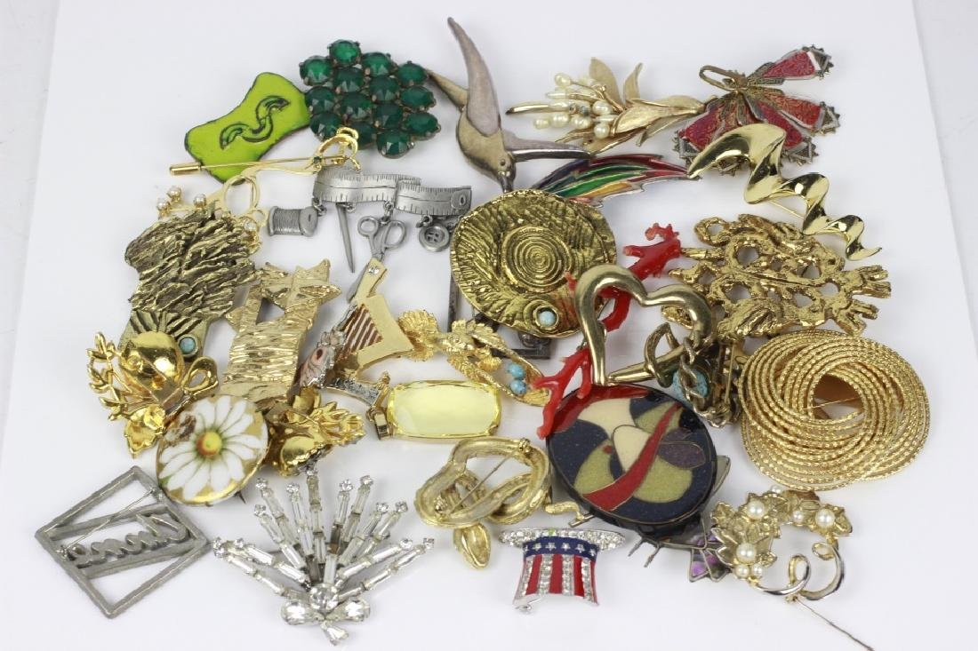 Group Lot of Vintage Pins/Brooches