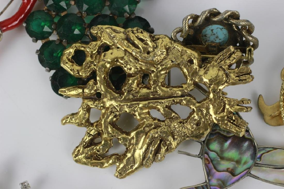 Group Lot of Vintage Pins/Brooches - 6