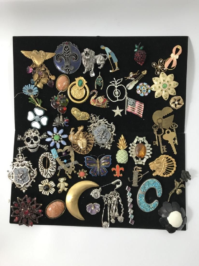 50pc Group Lot of Vintage Costume Jewelry