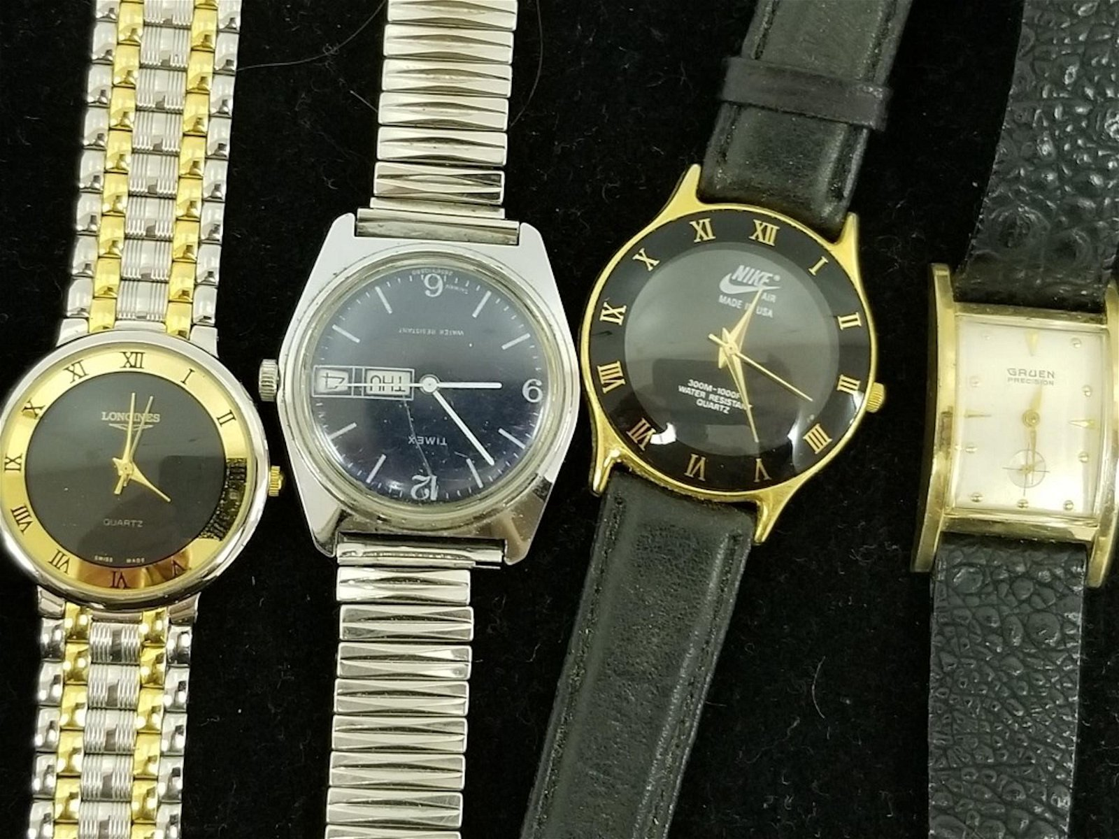 A Lot of 16 Vintage Watches Including Seiko,Croton