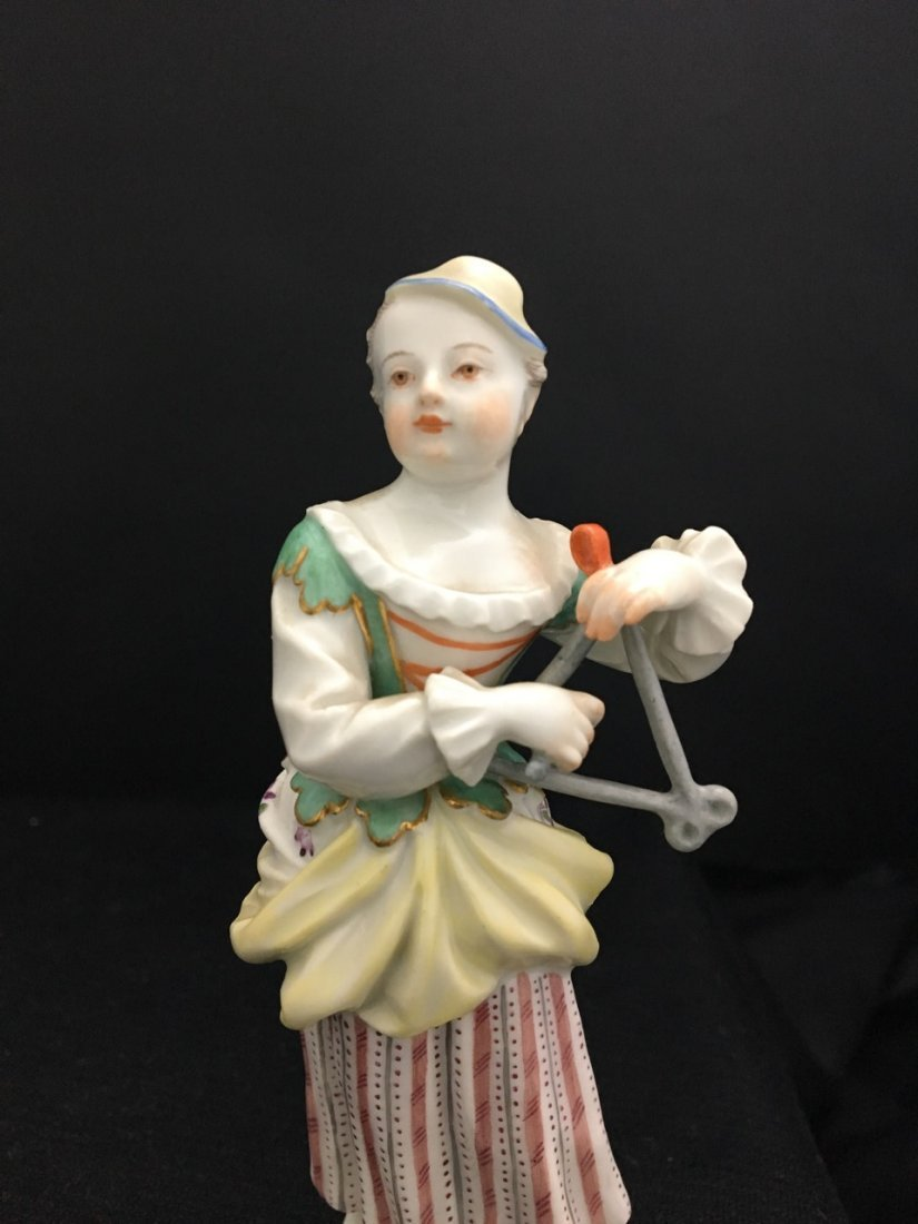 Two Meissen Figures of Girls with Hats - 3