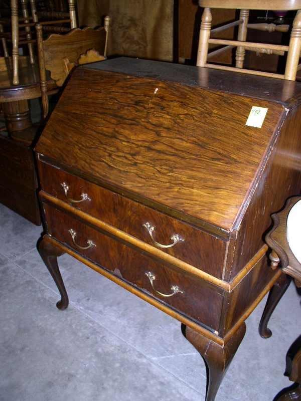 432: Drop front queen Anne style desk