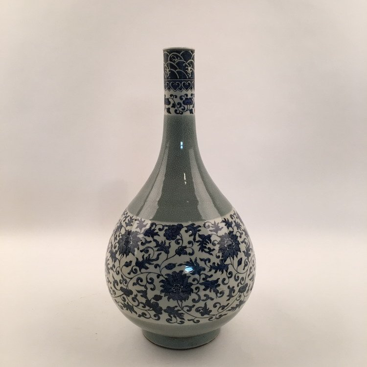 Fine Chinese Blue and White Vase