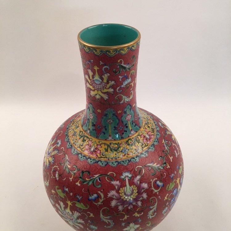 Fine Chinese Famille Rose Vase - 4