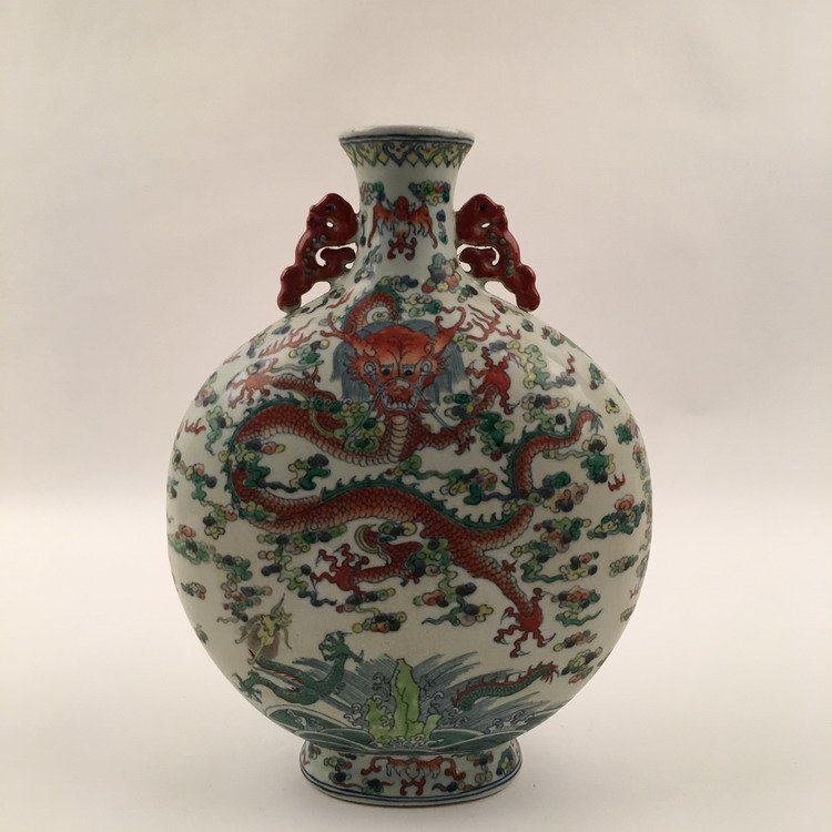 Chinese Wucai Dragon Vase