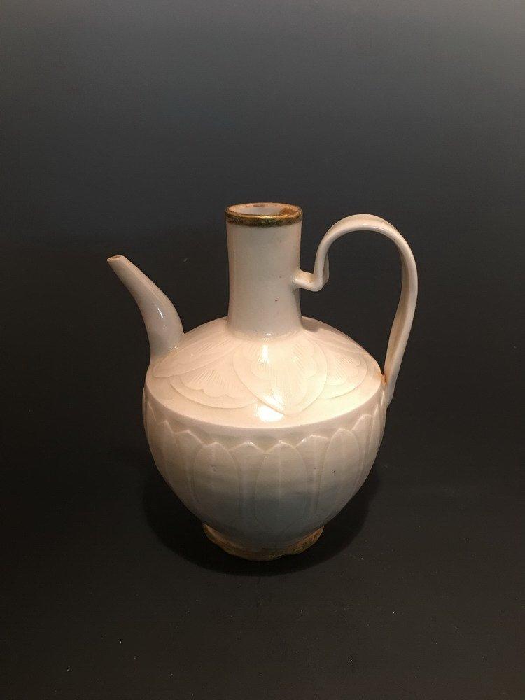 Fine Chinese Din Yao Wine Pot