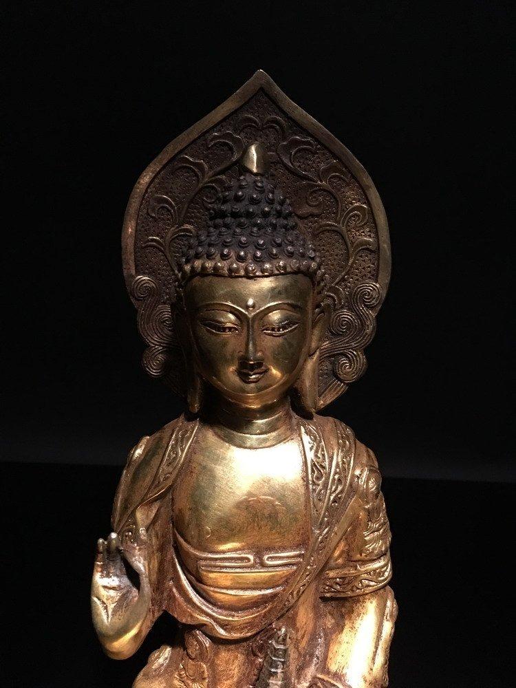 Fine Chinese Gilt Bronze Buddha - 2