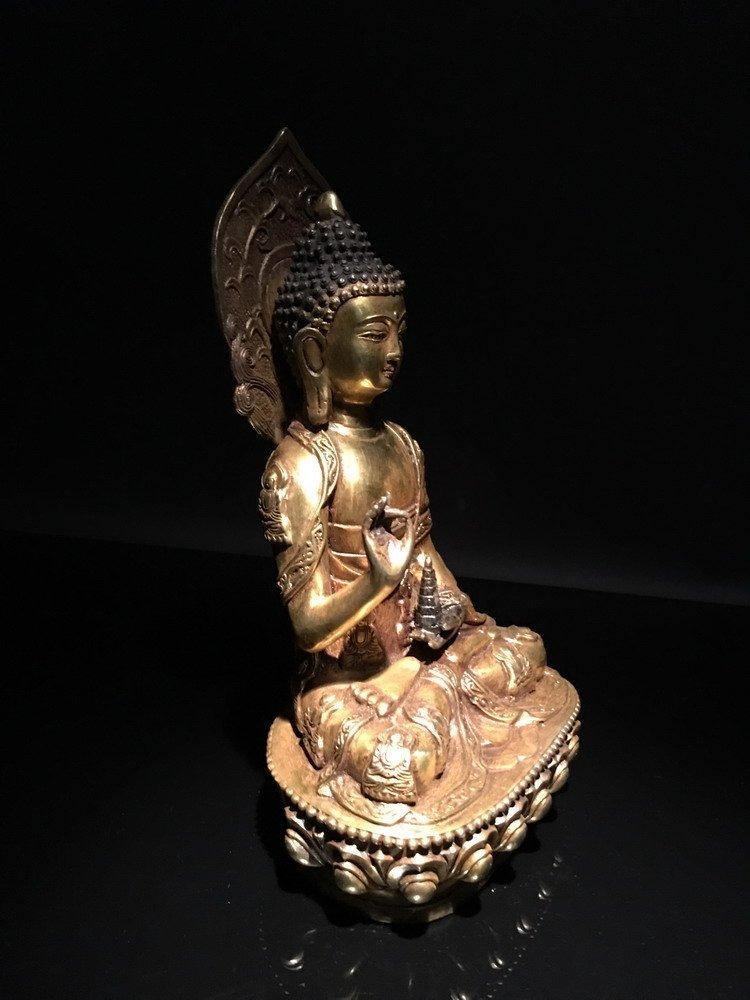 Fine Chinese Gilt Bronze Buddha - 3