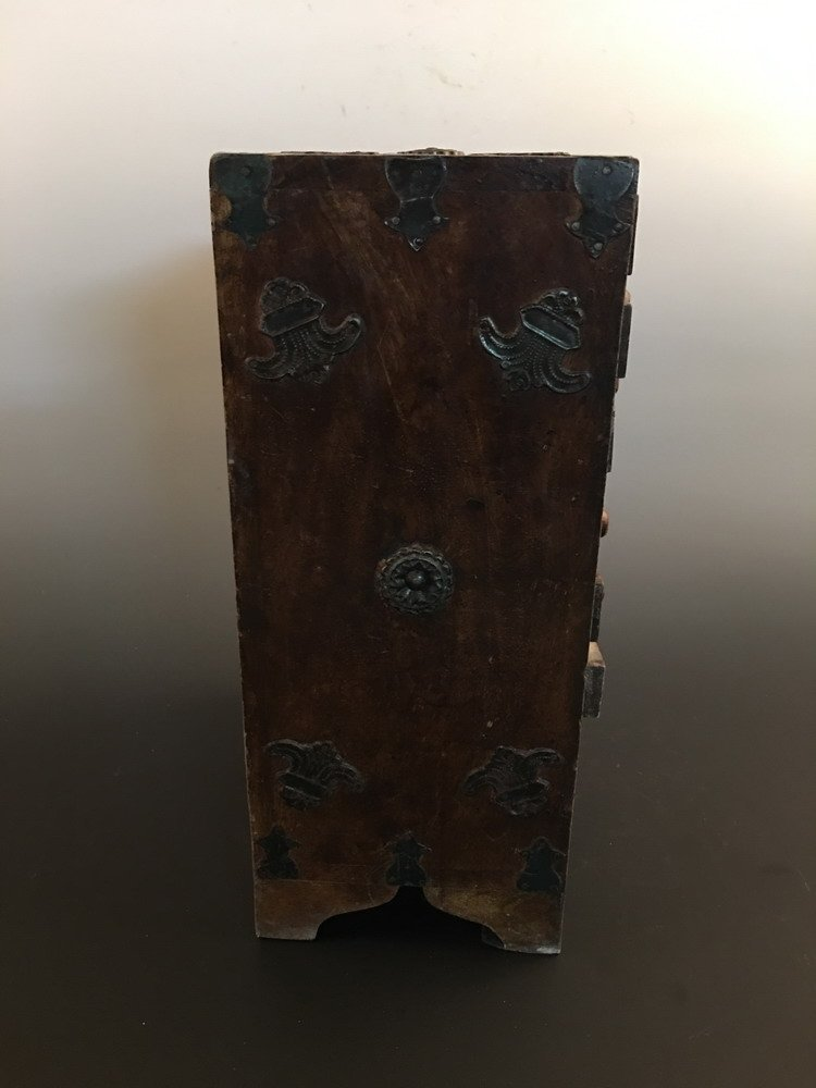 Fine Chinese Wood Jewelry Box - 4