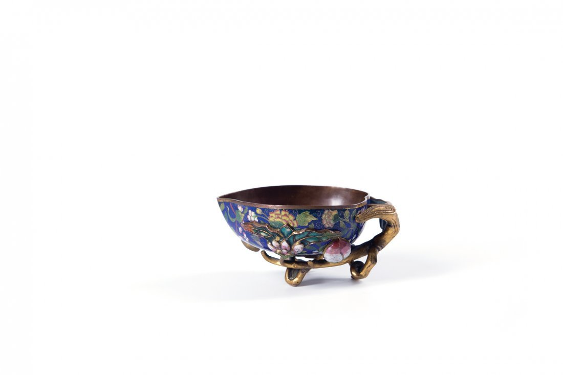 A CHINESE CLOISONNE PEACH FORM BRUSH WASHER, 19TH