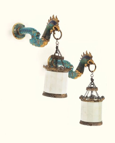 A VERY RARE PAIR OF CHINESE IMPERIAL JADE LANTERN